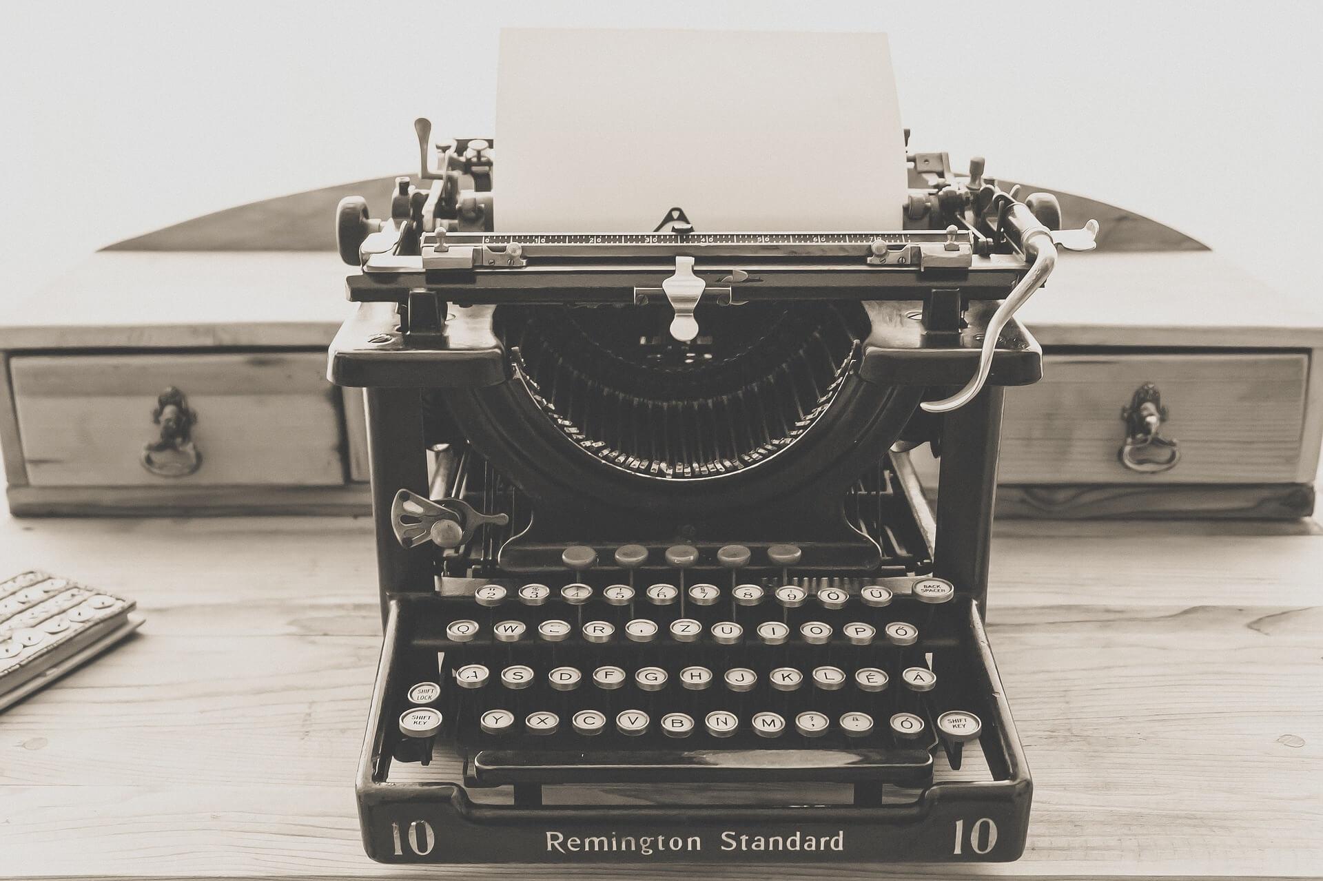 Vintage Typewriter - Jeff Shaw Writes